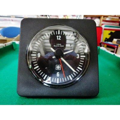 画像1: VDO製 時計 新品未使用品 内径8.5cm 外径10cm ケース縦横12.5cm